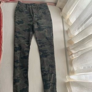 Camouflage Hudson jeans, size 25